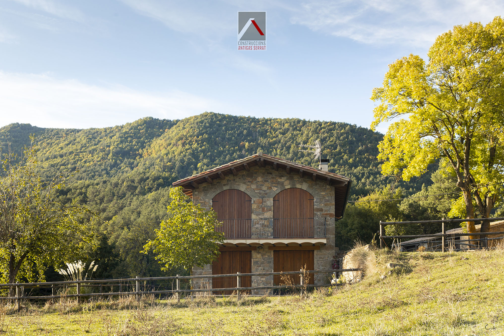 Reforma construcció rústica de muntanya a Les Llosses